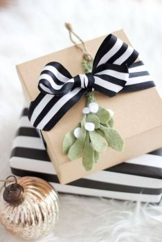 Black and white stripe - a modern twist with the kraft paper.