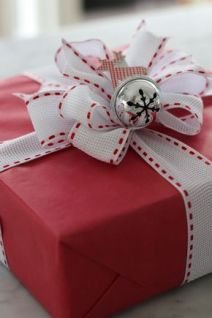 Red & Wrapping - So classic!